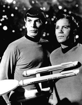 Leonard_Nimoy_William_Shatner_Star_Trek_1968.JPG